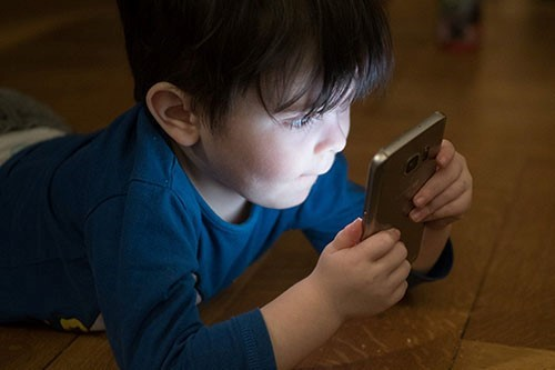 Study by Dr Elena Hoicka on how Touchscreens affect pre-schoolers play