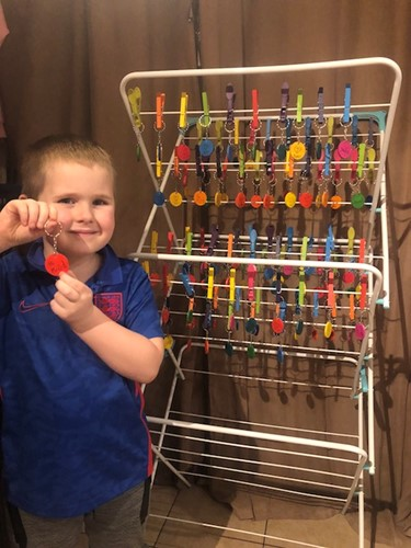 Meet the six-year-old boy who is leaving inspirational keyrings around Northamptonshire town  image