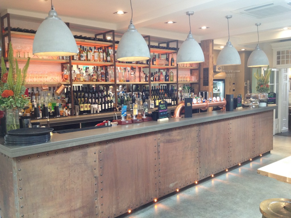 The Bar at 185 Watling St