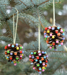 Christmas Craft: Pom Pom and Pinecones Christmas Ornaments  image