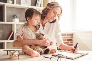 4 tips for busy mums who want to get an Education  image