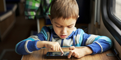5 reasons why toddlers and young children shouldn't be given mobile phones  image